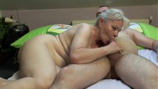 Bunk Sex By Mature Couple !!